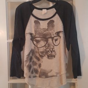 Freeloader baseball tshirt with giraffe